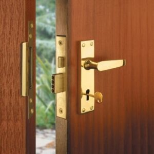a mortice sash lock on door